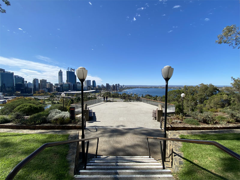 KINGS PARK tours Swan River view