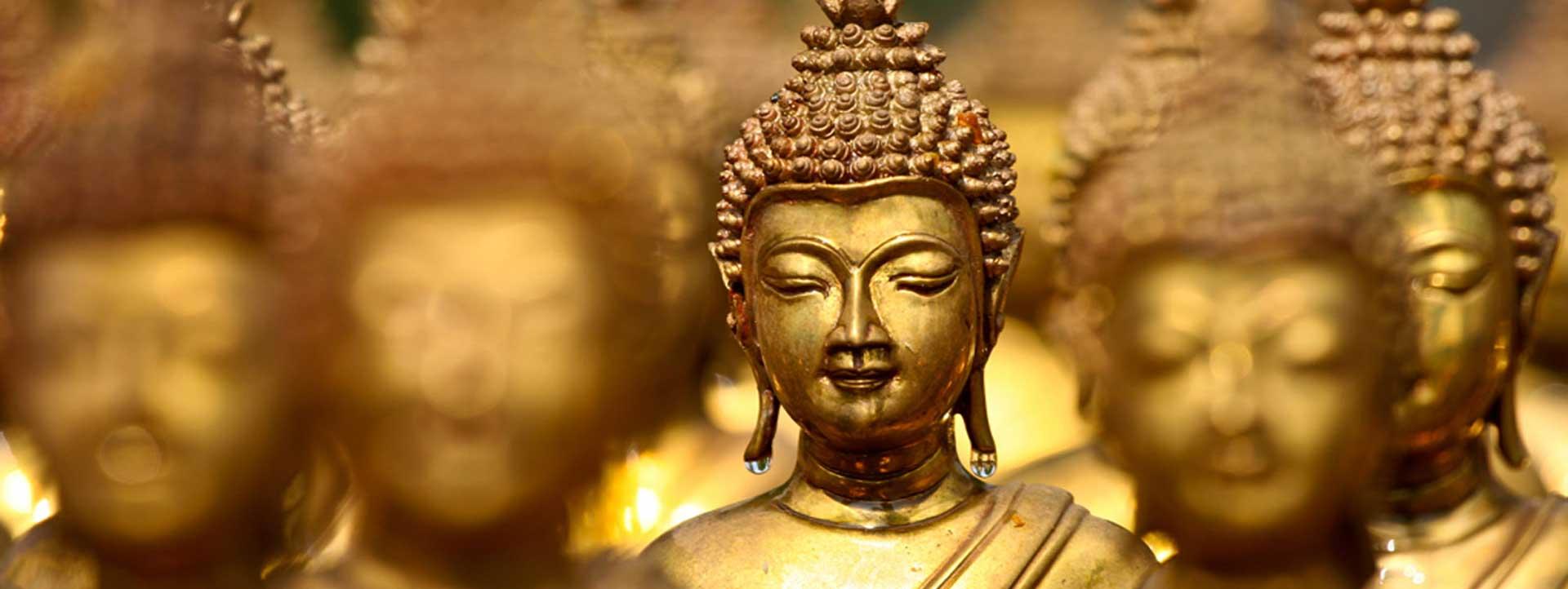 THAILAND-HOLIDAY-DEALS-gold-Buddah-statue